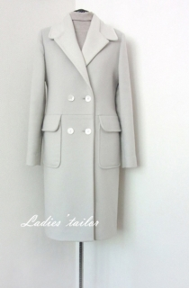 """Пальто в стиле """"милитари"""" из шерстяного драпа."""
